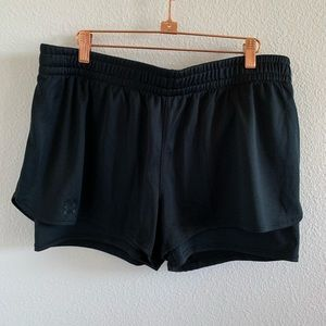Under Armour Black Shorts with Tights   XL